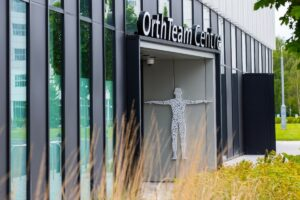 the entrance to the orthteam centre